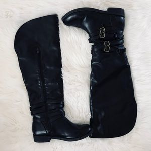 🌟NEW LISTING! 3/17🌟 Black Boots